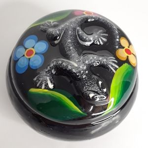 Black ceramic trinket dish with lizard and flowers